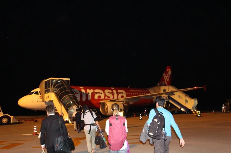 初沖縄珍道中。エアアジア最終便はさけるべし。