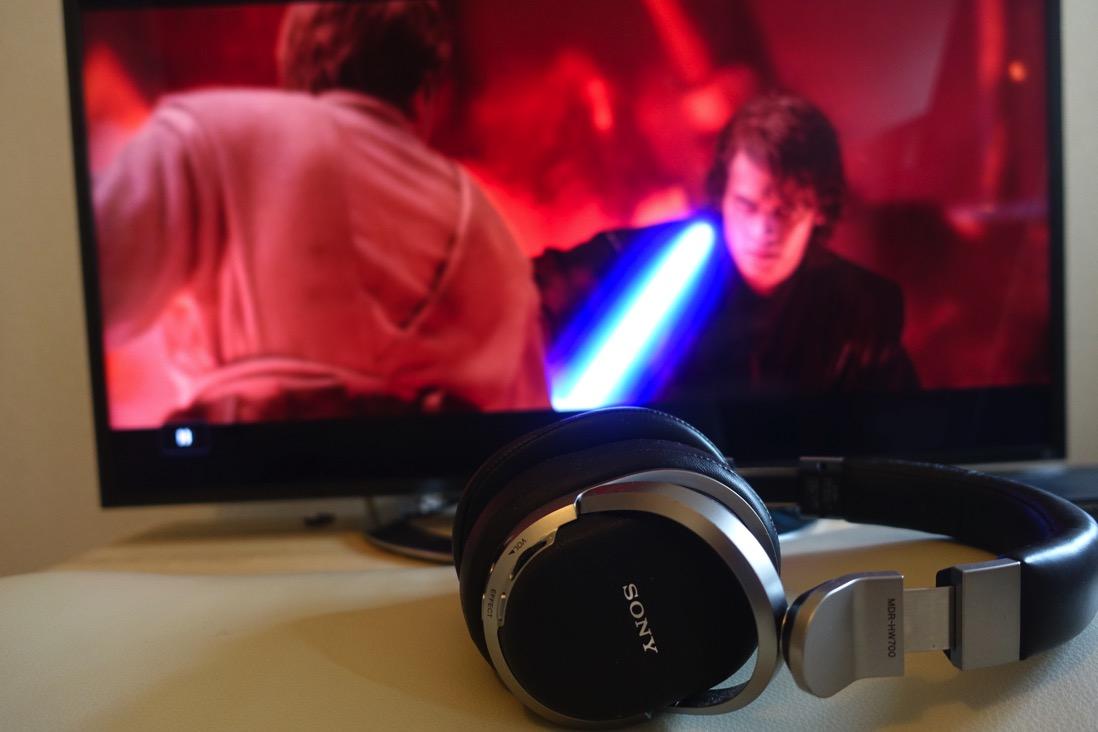 映画やゲームにSONYの9.1chヘッドホンMDR-HW700DS。音が後ろから聞こえる!迫力ある重低音!