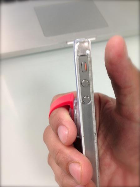 片手でしっかり持てるiPhoneカバー『joy Gear One Finger』