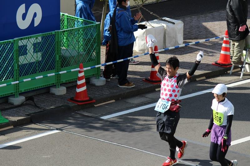はじめてサブフォーを達成したフルマラソン【青島太平洋マラソン】で実践した7つの作戦