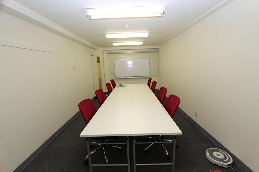 オフィス兼セミナールームを借りる選択